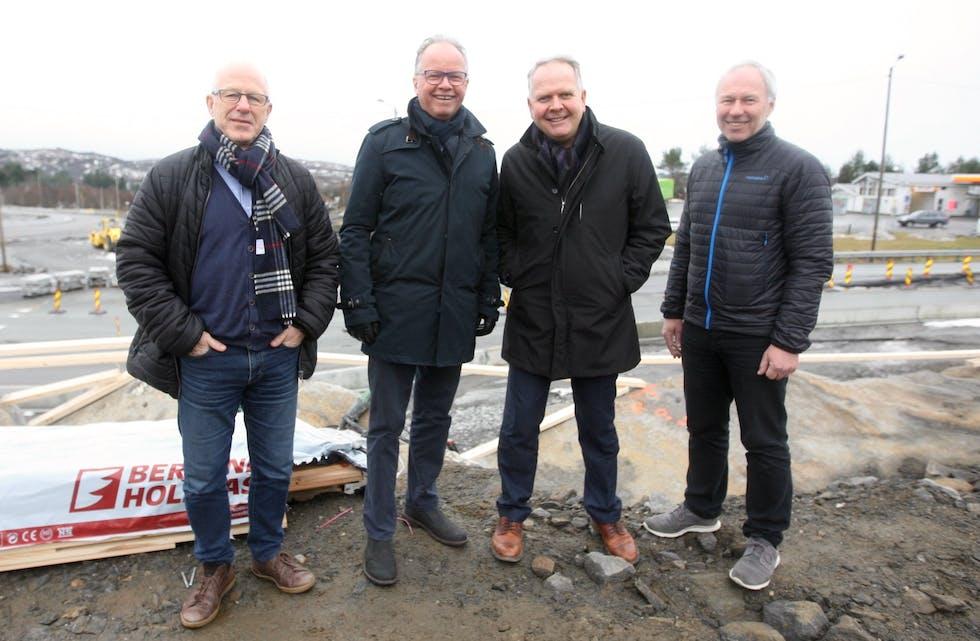 Disse fire representantene for bnæringsliv, kommune og veiprosjekter gleder seg til 29. mars. Fra venstre Egil Severeide, Øyvind Halleraker, Sigmund Lier og Vidar Vorraa. Foto: Alf-Einar Kvalavåg