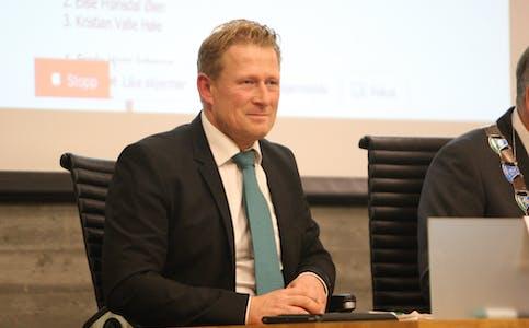 Sven Ivar Dybdal kan slå fast at i Tysværvåg er det mange som liker Senterpartiet. Foto: Alf-Einar Kvalavåg