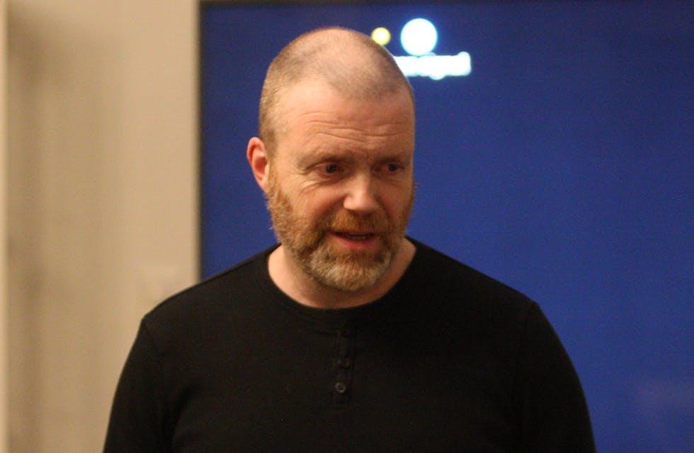 Frode Lindanger er svært godt nøgd med kurskveldane han har hatt på Fjørsilkebris. Foto: Alf-Einar Kvalavåg