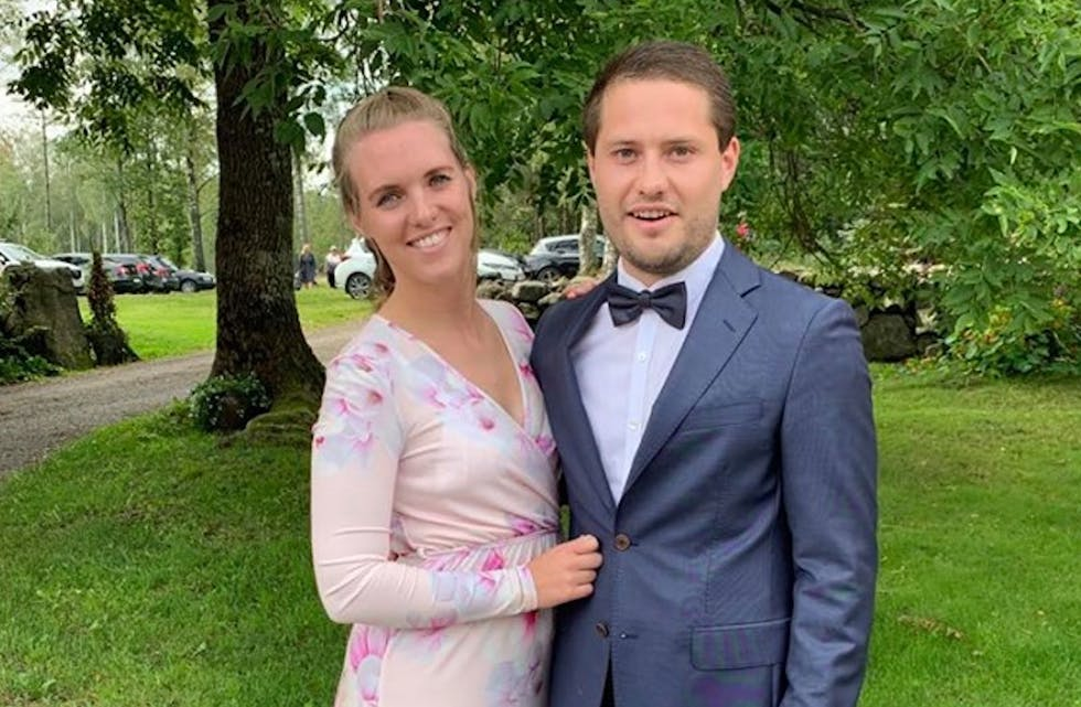 lisabeth Førland og Øyvind Stakland skulle eigentleg gifte seg i Italia i sommar, men må no utsette bryllaupet til hausten neste år.  Foto: privat