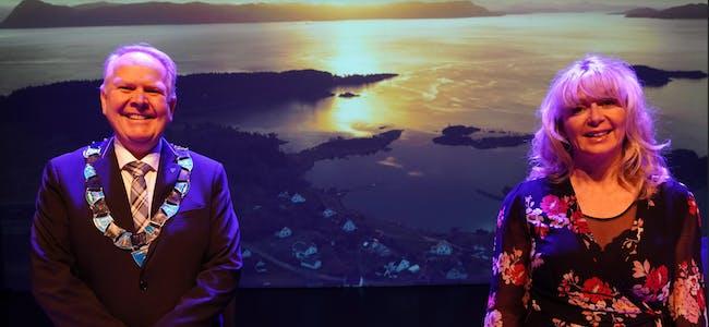 Ordførar Sigmund Lier og TV-Haugaland sin programleiar Karen Hesseberg blir å sjå i sendinga.