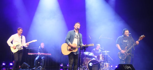 Bandet består av Jocky LeVang - bass / vokal, Atle H. Fjelde - trommer / kor, Jostein Marø – gitar, Jan Knutsen - keyboards / kor og Øyvind Østebøvik - vokal / akk. gitar.