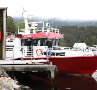 Det er slutt for Haugaland Skyssbåt og Rotvær frå 1. juli. Terje Hettervik skulle ønske kommunen ville bidra meir økonomisk til ei løysing ligg på bordet.  Foto: Mona Terjesen