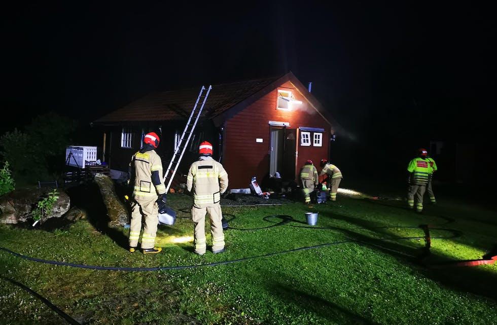 Brannvesenet har sendt oss dette bildet fra hyttebrannen.