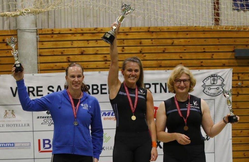 Kvinner +35 år Ingeborg Endresen, AK Bjørgvin.  Tinna Marína Jónsdóttir,Tysvær VK. og Monika Zakrzewska,Tysvær VK. 530,32 poeng. Foto: Dag Rønnevik