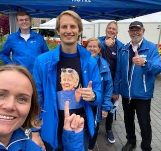 Denne gjengen var fornøyd med resultatet i Grinde. Foto: Høyre Rogaland