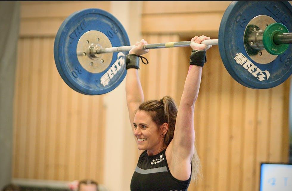 1. plass og gull til Tinna Marína Jónsdóttir som fikk seks godkjente løft. Foto: Alf-Einar Kvalavåg