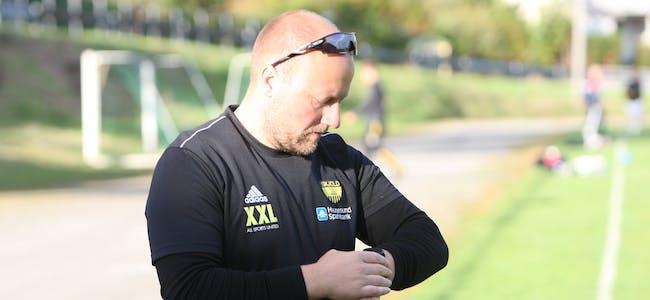 Skjold-trenar John Hettervik kan trygt nullstille stoppeklokka. det blir ikke kamp i kveld. Foto: Alf-Einar Kvalavåg