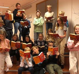 Torsdag kl. 10 går landets første barnebokbad på engelsk av stabelen på Nedstrand barne- og ungdomsskule.